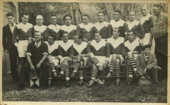 a gascoyne remake of Twin Peaks?  The Saint-Girons rugby team in 1937